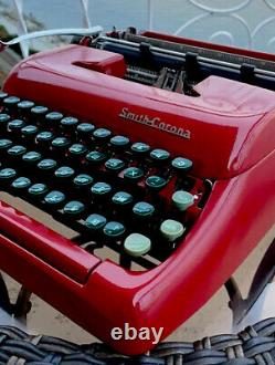 Collectable 1950 Smith-Corona Sterling Typewriter. WithCase. (Russian Keys USSR)