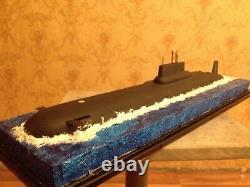 1350 Sous-marin Soviétique/russe De Classe Typhon Modèle Complet Avec Diorama D'eau