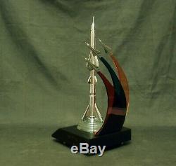 Fusée En Métal Soviétique Chasseur De L'espace Militaire Soviétique Vintage Urss Rare