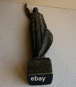 La Statue Soviétique Russe Ukrainienne Sculpture De La Patrie Socialiste Réalisme Bronze