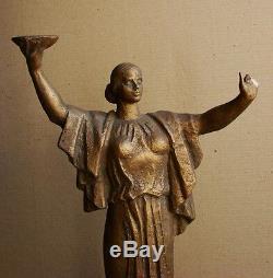 Mère Patrie Sculpture Statue Soviétique D'ukraine Russe Réalisme Socialiste Rare