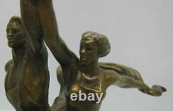 Old Bronze Statue Travailleur Kolkhoznitsa W. Faucille Et Le Marteau Cccp Russe Cast