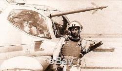 Pilote Aéroporté Des Troupes Aéroportées Russes Soviétiques Devant Le Gilet Pare-balles Gilet Bzh-2
