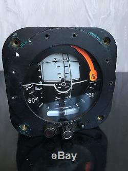 Poste De Pilotage Gyroscopique De L'horizon Pp-75 Tu-134 De L'horloge Russe