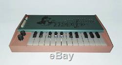 Synthesizer Analogique Vintage Sovietique Pif (piano Russe À Clavier Synthé Rare)